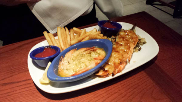 Red lobster endless shrimp event - #AD #EndlessReasonsContest #CleverGirls