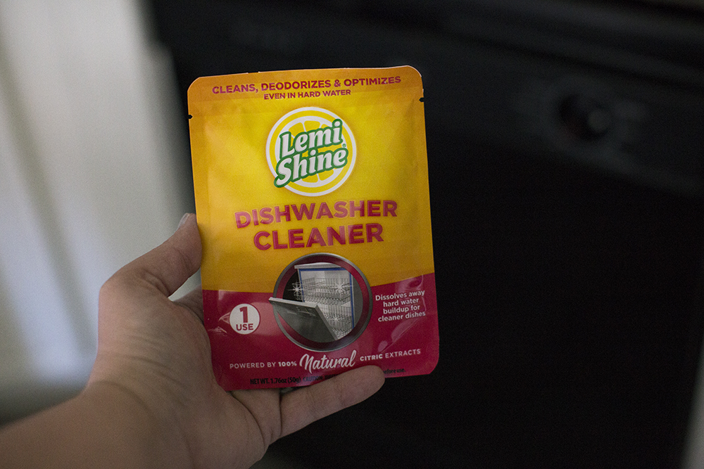 Spring has sprung and there's cleaning to be done with powerful & safe @LemiShine products #CleanFreakClean #SpringtimeCleantime #ad